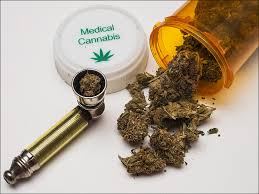 Medical-Cannabis-pill-bottle-marijuana-pipe