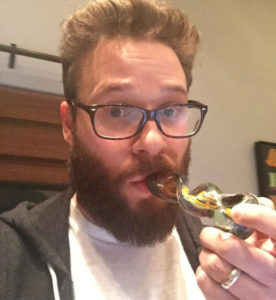 Seth Rogan smoking weed at 2008 MTV Awards. Celebrities smoking Marijuana.